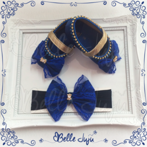 Sapatinho de Bebê Customizado com Strass e Pérolas Azul Marinho Faixa de Laço Renda