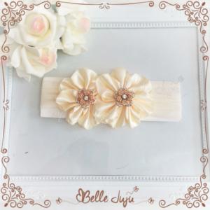 Bandolete/Fita Infantil 2 flores Creme com Strass