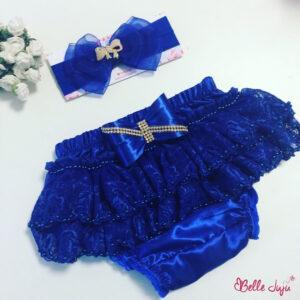 Conjunto de tapa fraldas e fita azul com laço