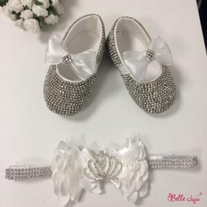 Sapatinho de bebe customizado branco luxo com fita de bebe